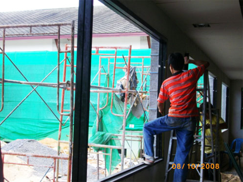 Install Aluminum windows lower floor